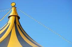 Oberseite eines Zirkuszeltes Lizenzfreies Stockfoto