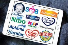 Oberste populäre trockene FormelmilchHerstellermarken und Logos Stockfoto