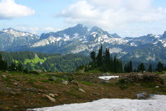 Oberteile Berge vom Mount Rainier Stockfotos