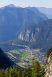 Obertraun, Meer Hallstatt - mening van Dachstein-de ingang van het Ijshol, Oostenrijk royalty-vrije stock afbeeldingen
