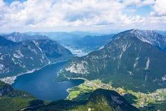 Obertraun sjö Hallstatt - sikt från Dachstein Arkivfoton