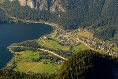Obertraun sjö Hallstatt - sikt från Dachstein-Krippenst ein Arkivfoton