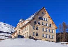 Obervatório Físico-meteorológico em Davos, Suíça foto de stock