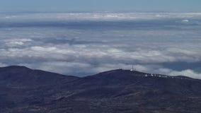 Obervatório sobre o timelapse das nuvens, Tenerife de Teide, Espanha video estoque