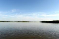 Obet River nära staden av Barnaul Royaltyfri Fotografi