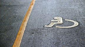 Obezwładnia znaka na drodze Fotografia Stock
