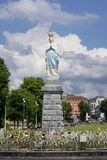 Obfitość widok statua Nasz dama Niepokalany poczęcie zdjęcia royalty free