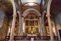 Obidos, Portogallo Altare di Santa Maria Church medievale con una pala Immagini Stock Libere da Diritti