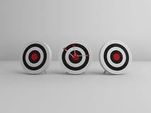3 obiettivi con 3 frecce nel mezzo Fotografia Stock Libera da Diritti