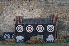 Obiettivi nella concorrenza medievale degli arceri Immagini Stock