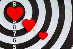 Obiettivo bianco nero del primo piano con il centro dei cuori come fondo di amore Fotografia Stock Libera da Diritti