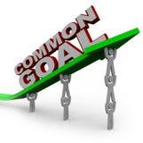 Obiettivo comune - la squadra di gente alza la freccia di sviluppo Fotografia Stock