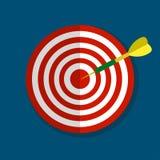 Obiettivo con l'icona piana della freccia su fondo blu, illustrazione di vettore Fotografia Stock