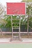 Obiettivo di legno rosso di pallacanestro Immagine Stock