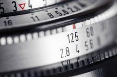 Obiettivo e comandi di esposizione della macchina fotografica dell'annata. Immagine Stock Libera da Diritti