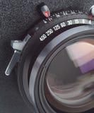 Objectif de caméra de grand format dans l'instruction-macro Photos stock
