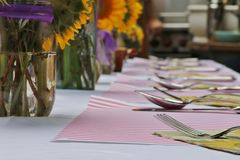 Objects: Sunflower arrangement on the table for a party Royalty Free Stock Photos