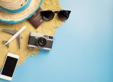 Objekt och mode för sommarstrandlopp för sommar reser Royaltyfria Bilder