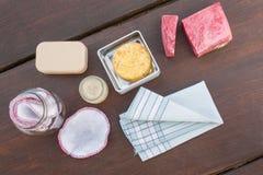 Objekt som är nödvändiga för noll avfalls/mindre förlorad shopping och uppehälle arkivfoton