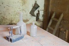Objektet som stiliseras i den gamla kammaren Royaltyfri Bild