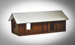 Objet coloré lumineux imprimé par l'imprimante 3d Maison brune blanche Image stock
