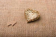 Objet en forme de coeur avec une flèche Image libre de droits