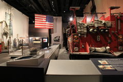 9-11 objet exposé, avec des morceaux de ce jour horrible sur l'affichage, musée d'état, Albany, New York, 2016 Photo libre de droits