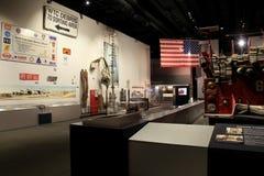 Objet exposé commémoratif émotif avec les articles récupérés de 9-11, musée d'état, Albany, New York, 2016 Image libre de droits