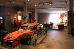 Objet exposé de voiture de course sur le 2ème étage, musée d'automobile, Saratoga Springs, New York, 2015 Photographie stock
