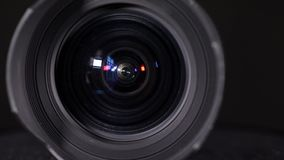 Objetiva larga do zumbido do ângulo vídeos de arquivo