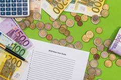 2018 objetivos do ano novo com euro, pena Fotos de Stock Royalty Free