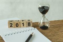 Objetivos do ano novo feliz 2018, alvo ou conceito da lista de verificação como o número Foto de Stock Royalty Free