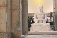 Objeto asiático del día de fiesta del océano del mar de la playa de la fruta del arte de la escultura de la imagen de Buda del tr Imagenes de archivo