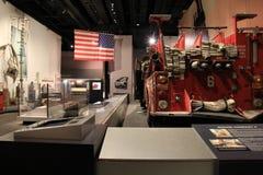 9-11 objeto expuesto, con los pedazos de ese día horrible en la exhibición, museo del estado, Albany, Nueva York, 2016 Foto de archivo libre de regalías