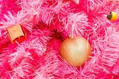 Objeto hermoso adornado en el árbol rosado de Chirstmas Imagen de archivo libre de regalías