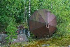 Objeto industrial abandonado en la región de Leningrad Fotos de archivo