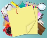 Objetos amarillos del papel y de la escuela Foto de archivo