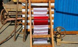 Objetos campesinos rumanos tradicionales Imagen de archivo