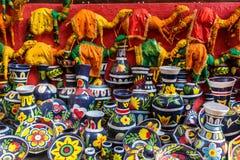 Objetos coloridos de la artesanía para la venta Imagen de archivo libre de regalías