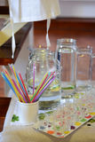Objetos da cozinha em uma tabela Imagens de Stock