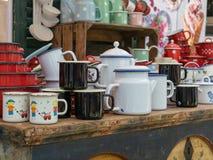 Objetos de la cocina del metal en venta fotografía de archivo