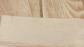 Objetos de la industria de la madera Tablón de madera acabado almacen de metraje de vídeo