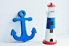 Objetos decorativos del mar en el fondo blanco Fotos de archivo libres de regalías