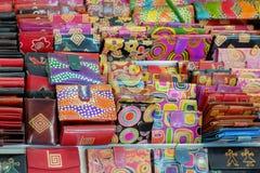Objetos del bazar - carteras de cuero Imagen de archivo