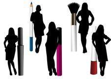 Objetos del maquillaje aislados con las siluetas femeninas ilustración del vector