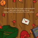 Objetos del otoño en el fondo de madera Foto de archivo libre de regalías