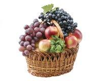 Objetos do alimento da fruta em uma cesta Imagens de Stock