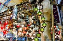 Objetos do vintage no bazar turco Imagens de Stock