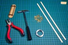 Objetos e ferramentas para a modelagem de navio fotos de stock