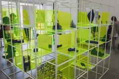 Objetos en el espacio de Ventura Lambrate durante la semana de Milan Design Fotografía de archivo